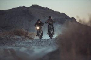Zero-Motorcycles-FX-2020-pareja