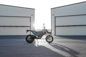 Zero-Motorcycles-FXS-2020-lateral-estacionada