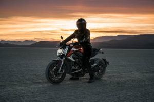 Zero-Motorcycles-SR-F-2020-atardecer