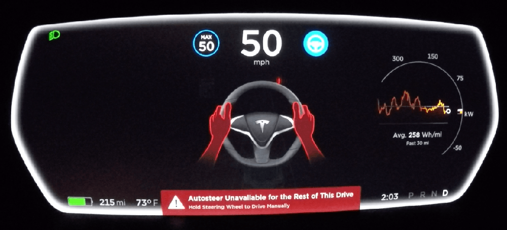 alertas-vehiculo-tesla-autopilot-volante