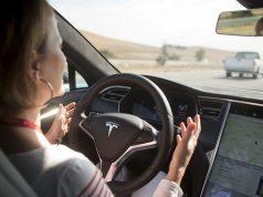 autopilot tesla conducción