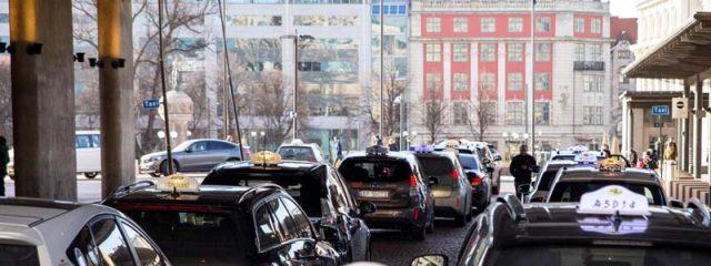 carga-inalambrica-taxis-oslo-noruega