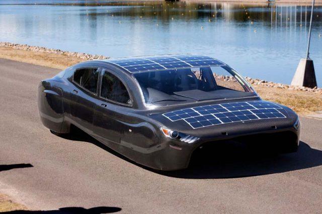 coche-solar-Violeta-lateral1