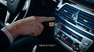 demostracion-sistema-multimodal-BMW-senalar-dedo-persona-real-interior
