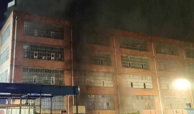 incendio-nuuk-fabrica1