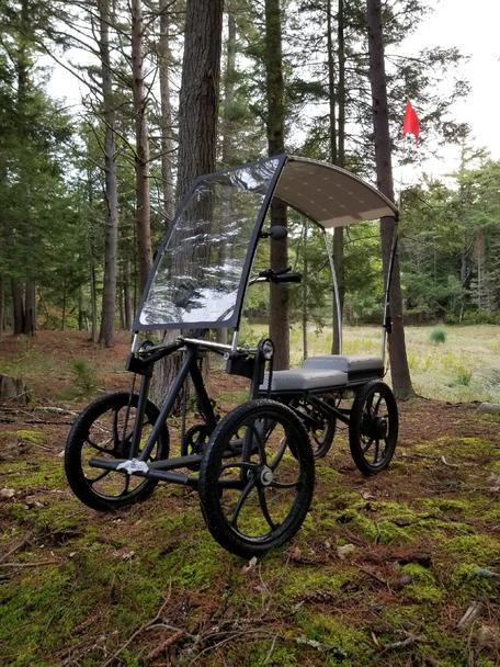 screecher_pedalcycle-estacionado-bosque